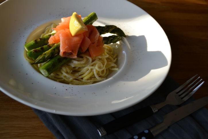 pasta groene asperges zalm