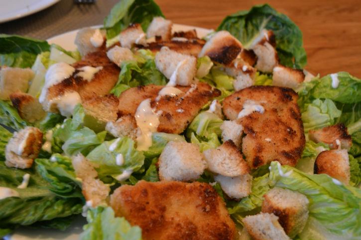 Beste Caesar salade met krokante kip en croutons - De pan van Pien DR-91